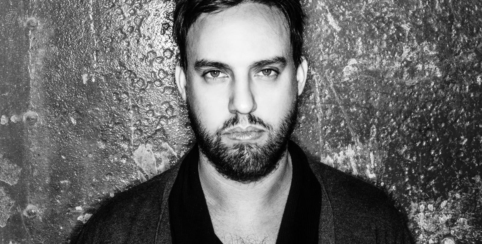 Maetrik - The Reason (Original Mix) The alias of Maceo Plex that demonstrated the US DJ's ability to dwell into darker tech-house, techno tinges, this banger carries heavy bass production.